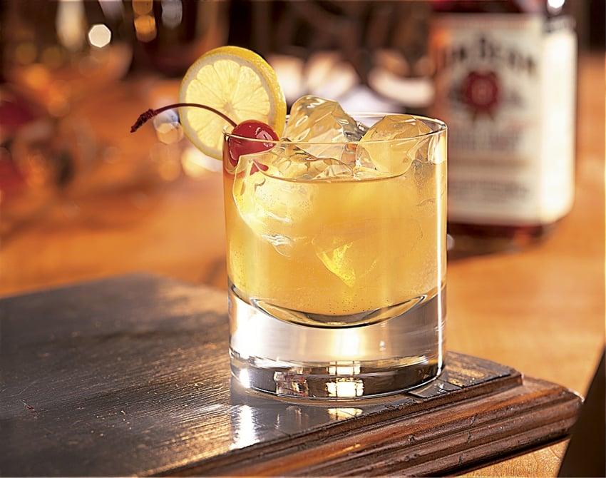 Jim-Beam-Bourbon-Whiskey-Sour